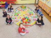 Spoločná práca detí z 2.a 3. triedy